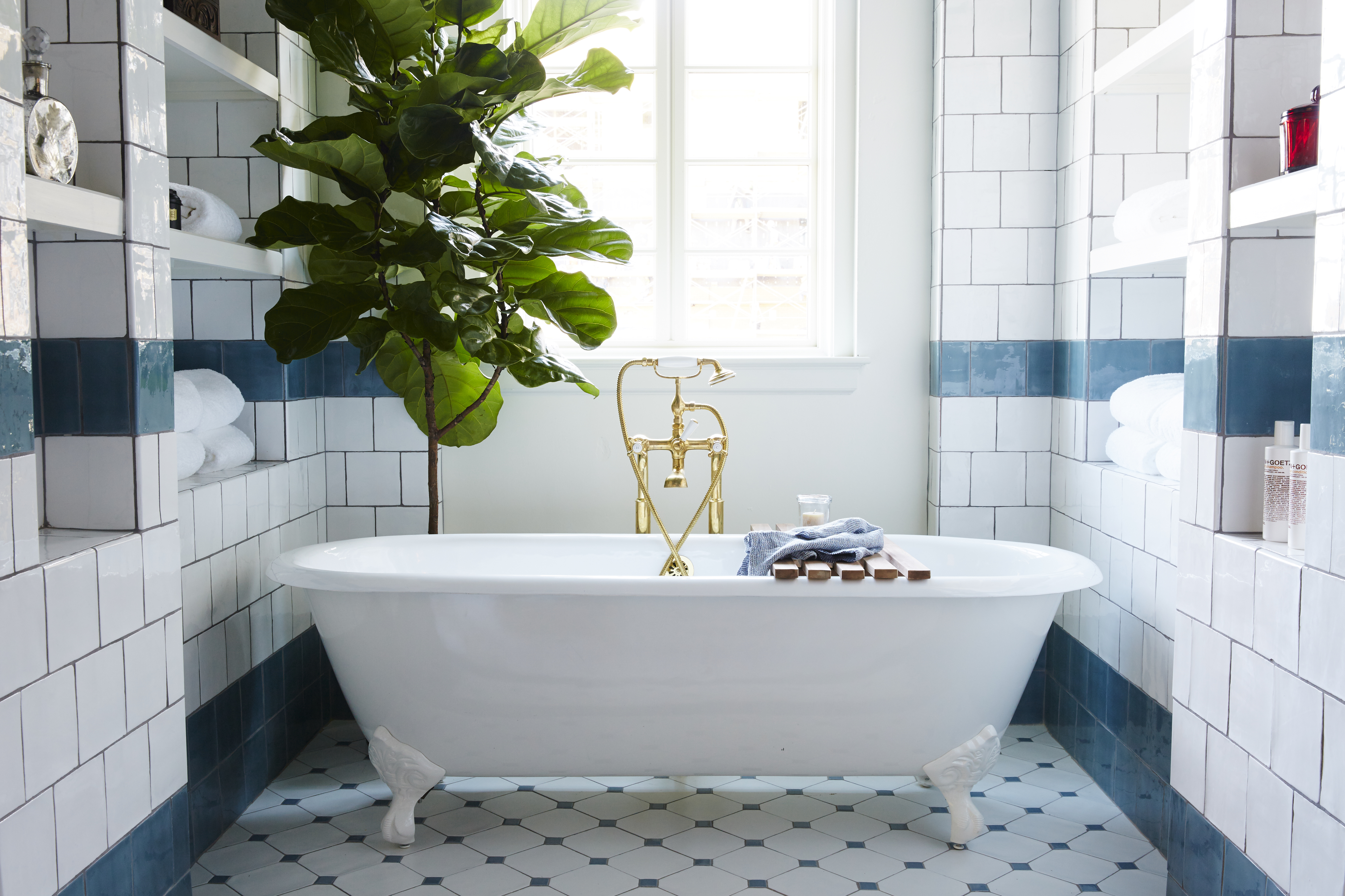 Escape into the past hotel emma womn for Best bathroom designs in the world